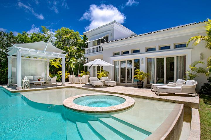 Three-Bedroom-Royale-Villa_Swimming-Pool_0635