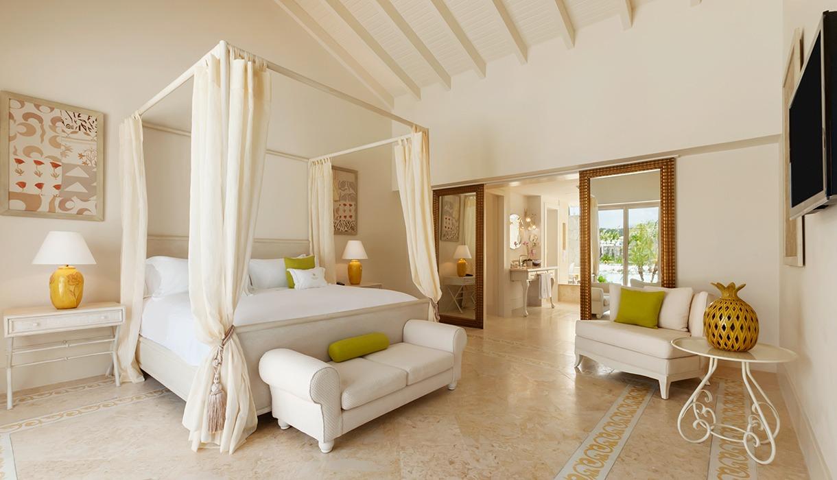 Luxury Pool Family Suites
