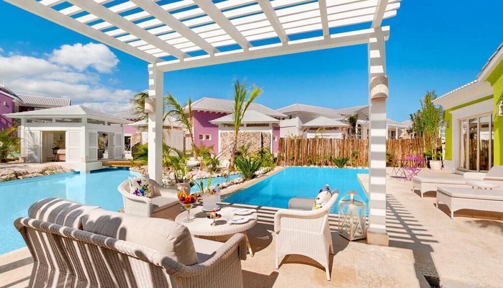 Luxury Pool One Bedroom Suites