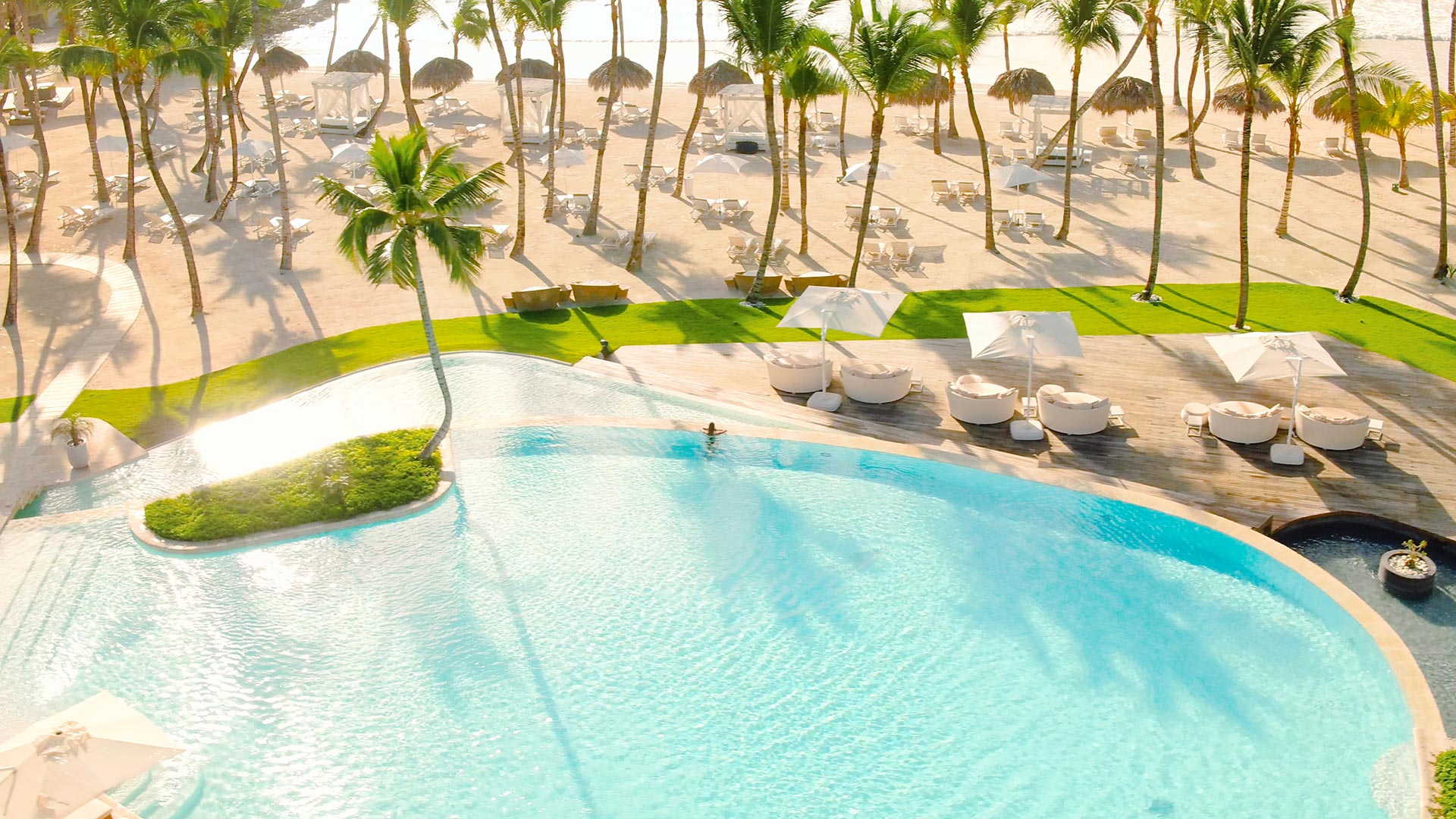 The 15 Best Luxury Resorts in the Caribbean for 2021